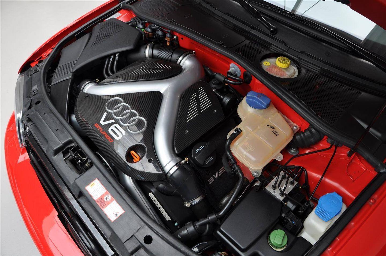 Hacerte con un Audi RS4 Avant de 2001 prácticamente nuevo es posible... por 99.500 euros 10