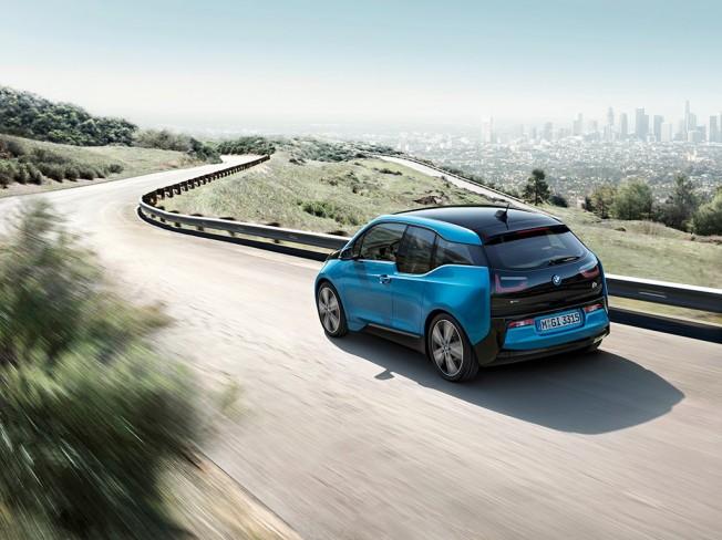 Llega el nuevo BMW i3 de 94 Ah a España: 300 kilómetros de autonomía en modo eléctrico 1
