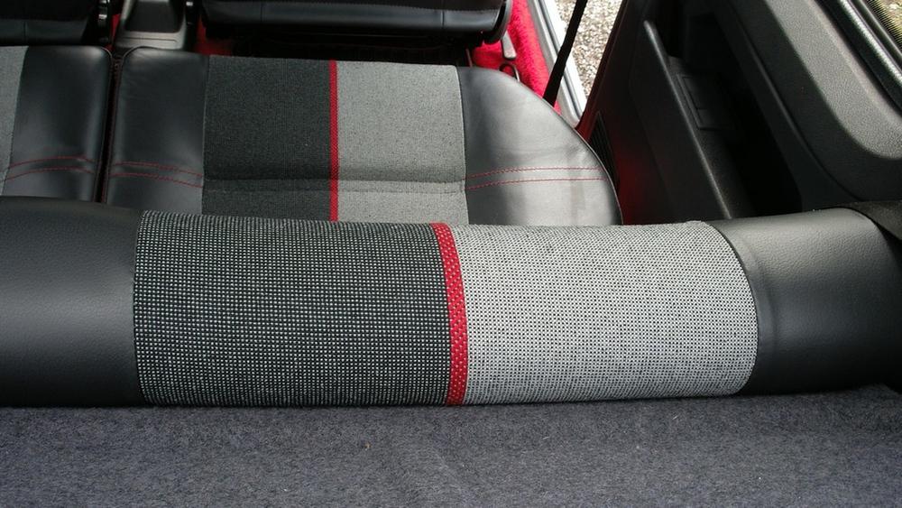 ¿Te gastarías 36.000 euros en un Peugeot 205 GTI en perfecto estado? Alguien lo ha hecho 2