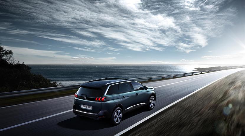 El nuevo Peugeot 5008 se transforma en un SUV siguiendo la estela de sus rivales 13