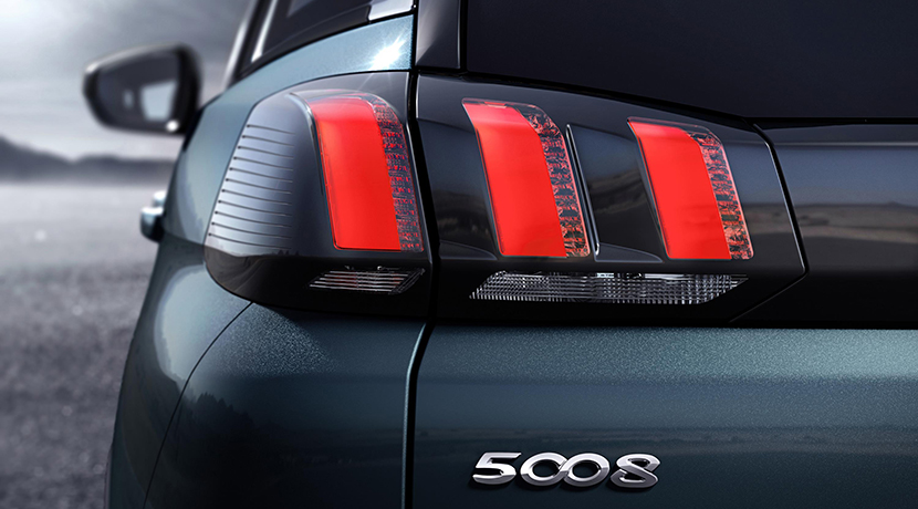 El nuevo Peugeot 5008 se transforma en un SUV siguiendo la estela de sus rivales 14