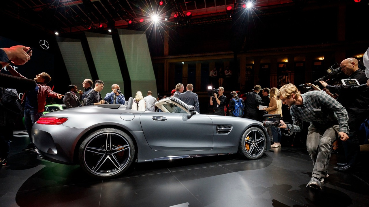 mercedes-amg-gt-c-roadster-at-paris-motor-show-1