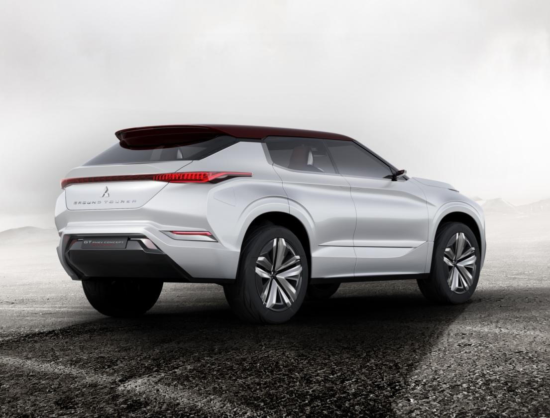 Mitsubishi GT-PHEV Concept: Un prototipo de SUV híbrido enchufable que veremos en el Salón de París 3