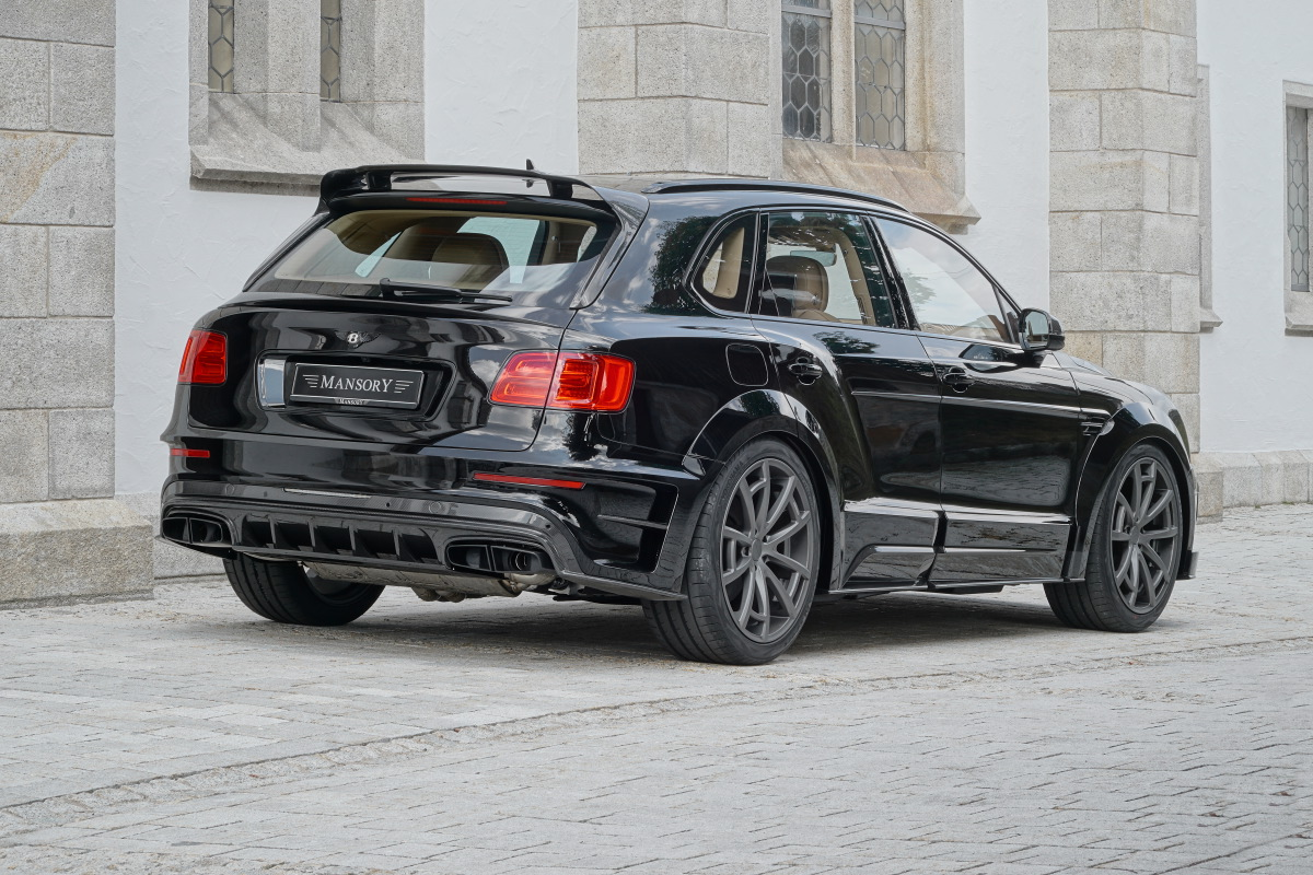 mansory_bentayga_black_rear