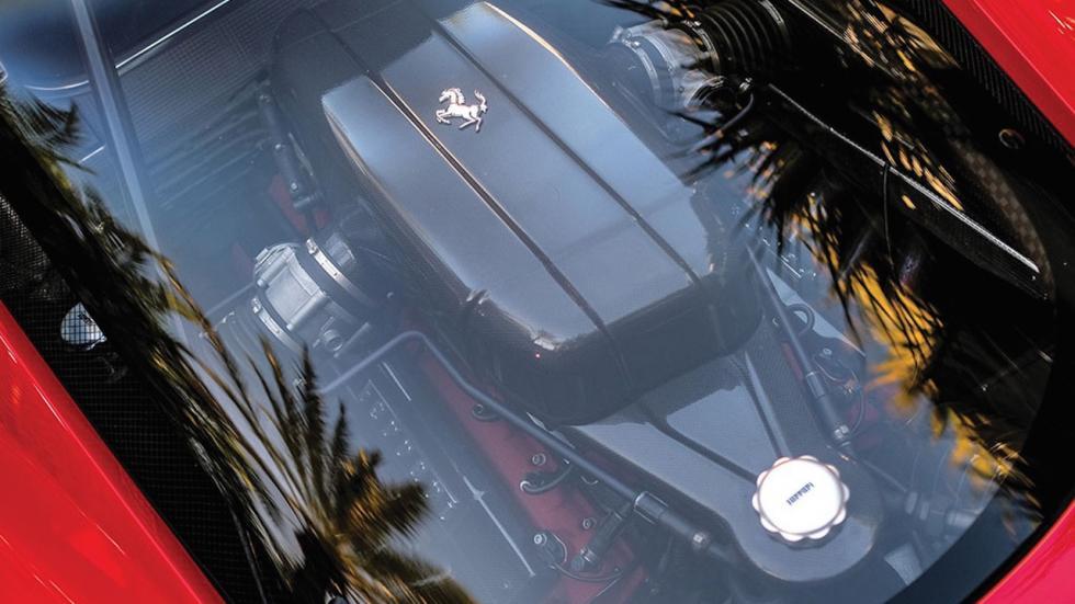 Este Ferrari Enzo tiene menos de 6.000 km, es de Tommy Hilfiger y va a salir a subasta 4