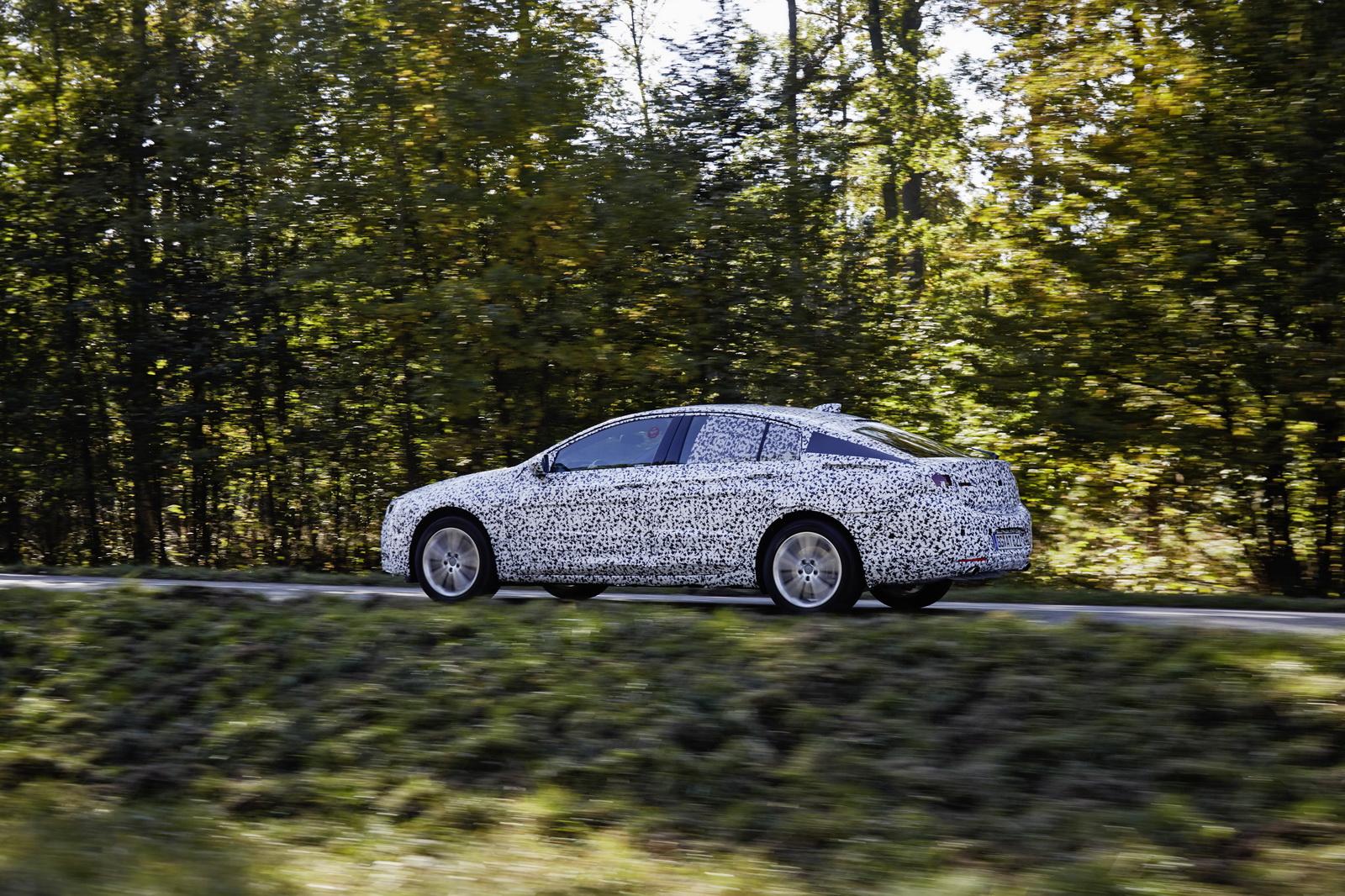 Más ligero y ágil: Así será el nuevo Insignia Grand Sport desarrollado en Nürburgring 2