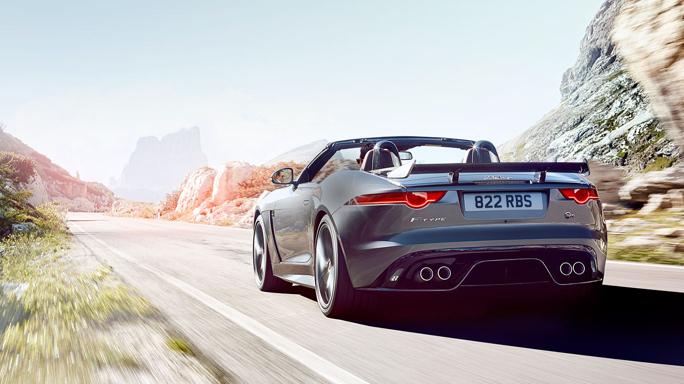 ftype_17my_overview_supercharged_desktop_1366x769_tcm135-237937_desktop_1366x768
