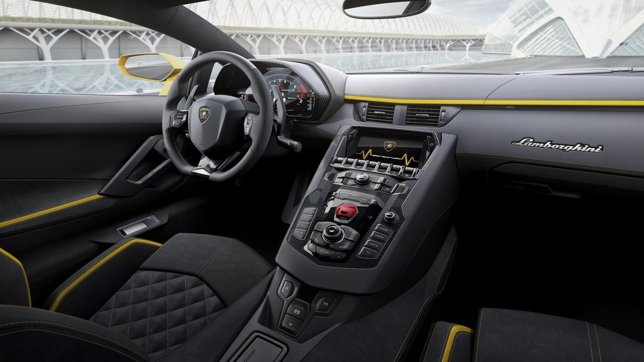 Lamborghini Aventador S, ahora con 740 caballos y una aerodinámica más radical