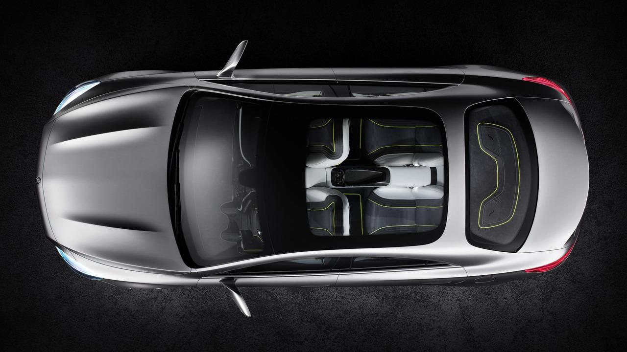 Mercedes ya trabaja en un nuevo Clase A Sedán, más grande que el CLA