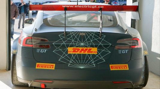 Así es el Tesla Model S para el Electric GT Championship: 500 kg menos y 0-100 km/h en 2,1 segundos