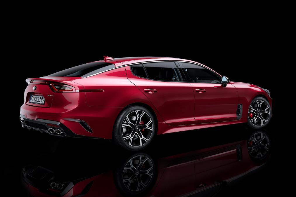 El Kia Stinger recibirá un V8, ¿lo veremos en España?