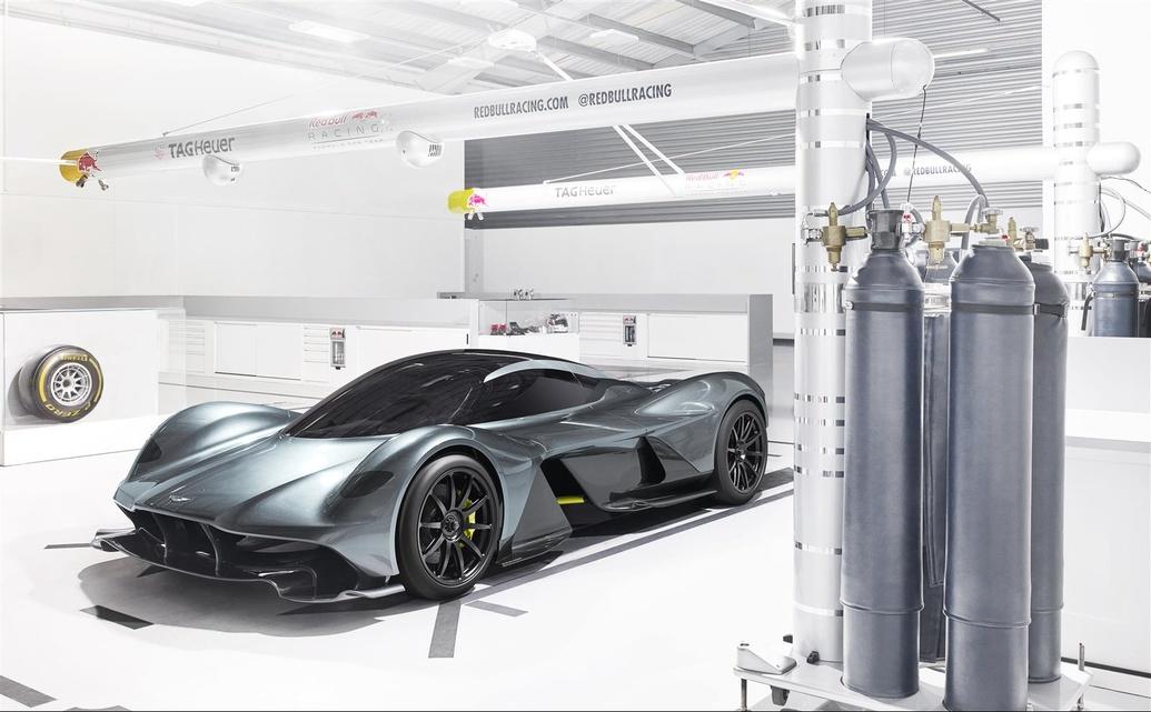 Oficial: Aston Martin Valkyrie, el AM-RB 001 ya tiene nombre