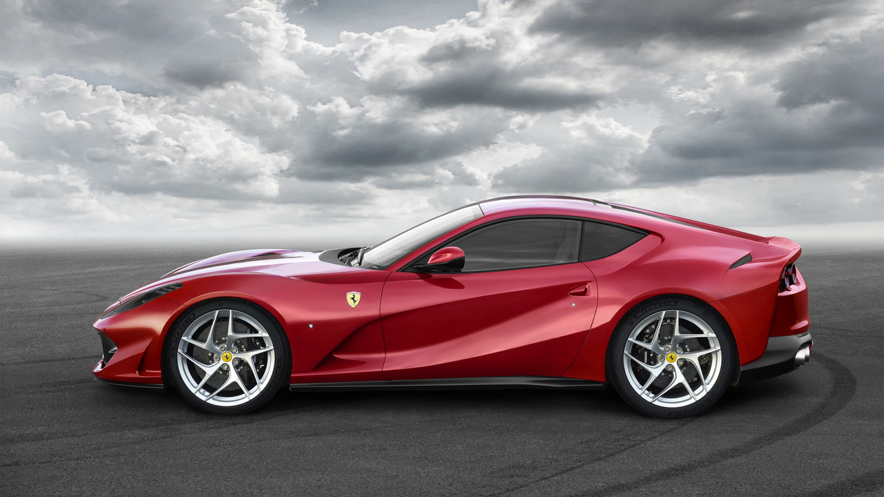 Ferrari 812 Superfast, llega el sucesor del F12 Berlinetta y aterriza con 800 caballos