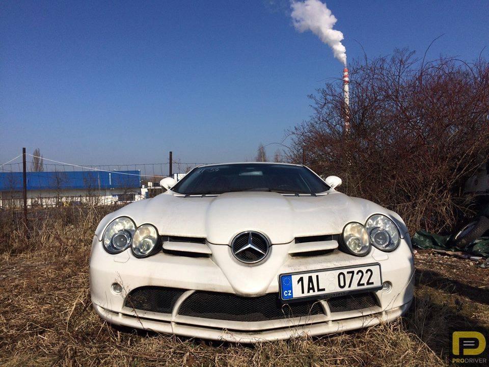 No apto para sensibles: Un Mercedes SLR McLaren lleva 6 años parado por orden judicial