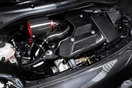 ¿Pagarías 58.500 euros por un Abarth 595 con más de 400 CV y bodykit en fibra de carbono?
