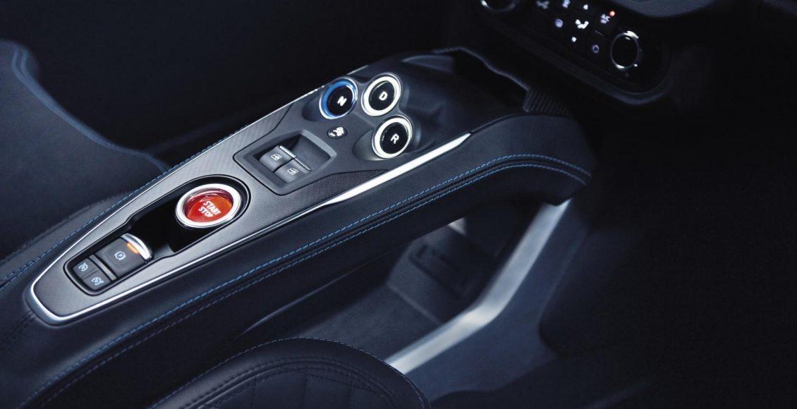 video-asi-suena-el-motor-1-8-de-252-cv-del-alpine-a110-en-col-de-turini-42