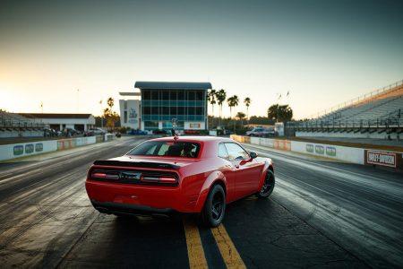 Dodge Challenger SRT Demon: 852 CV y un 0-96 km/h en 2,3 segundos, hacer Drag es posible con un coche de serie