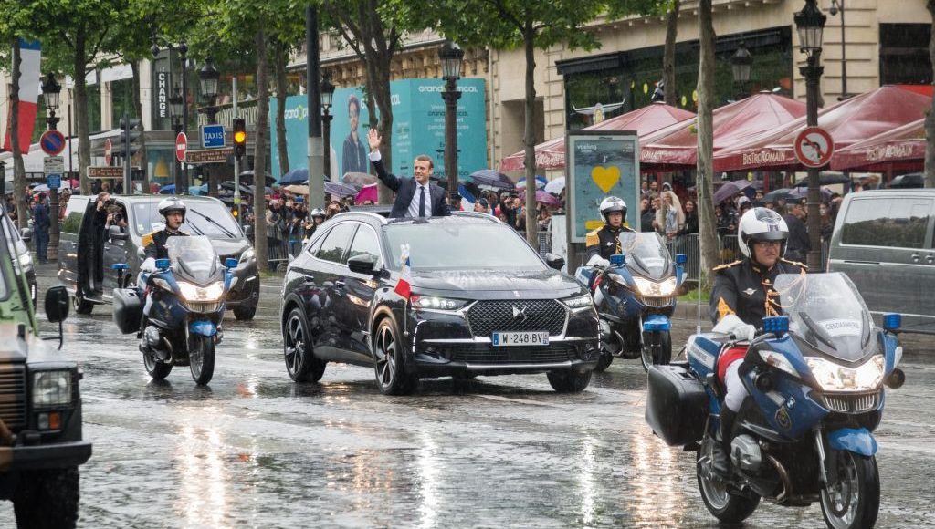 macron-ya-tiene-nuevo-coche-oficial-un-ds-7-crossback-descapotable-si-has-leido-bien-01