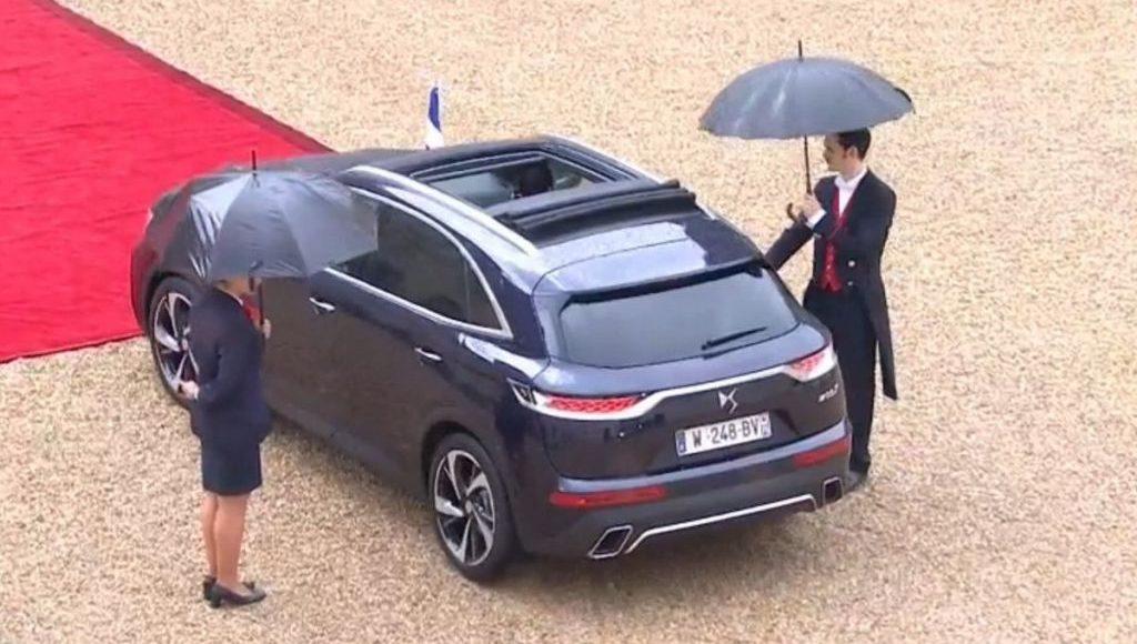 macron-ya-tiene-nuevo-coche-oficial-un-ds-7-crossback-descapotable-si-has-leido-bien-05