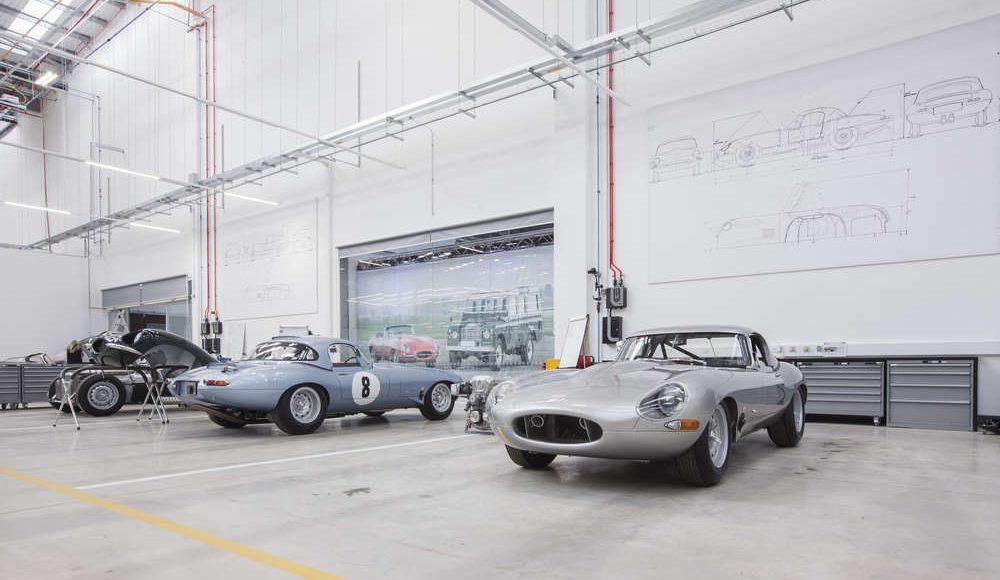 espectacular-asi-es-el-nuevo-talleres-de-clasicos-de-jaguar-land-rover-bautizado-como-classic-works-05