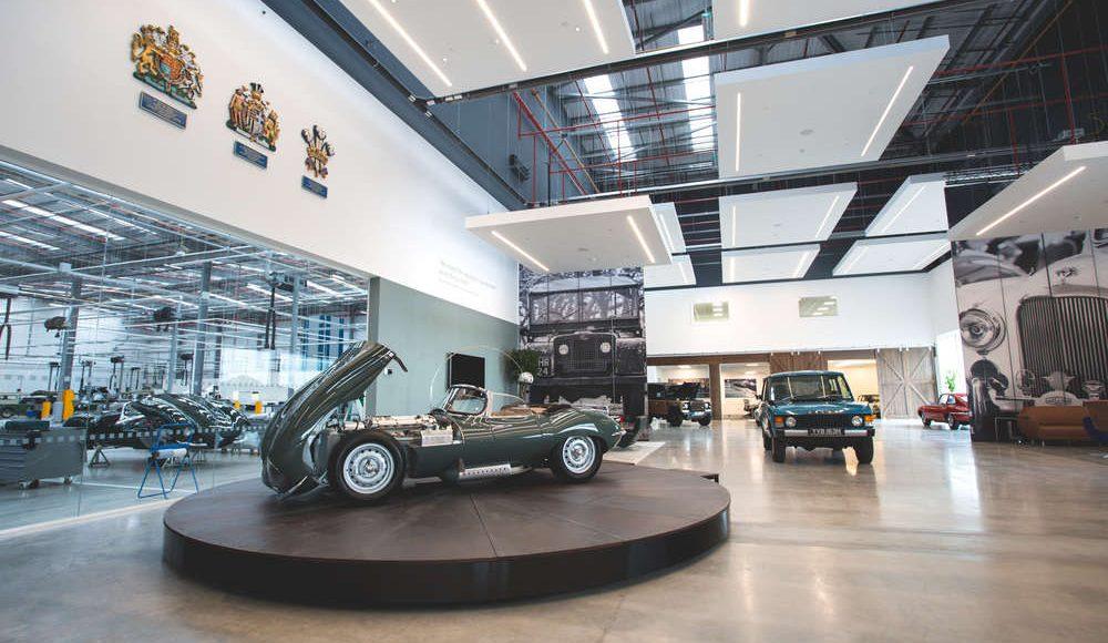 espectacular-asi-es-el-nuevo-talleres-de-clasicos-de-jaguar-land-rover-bautizado-como-classic-works-15