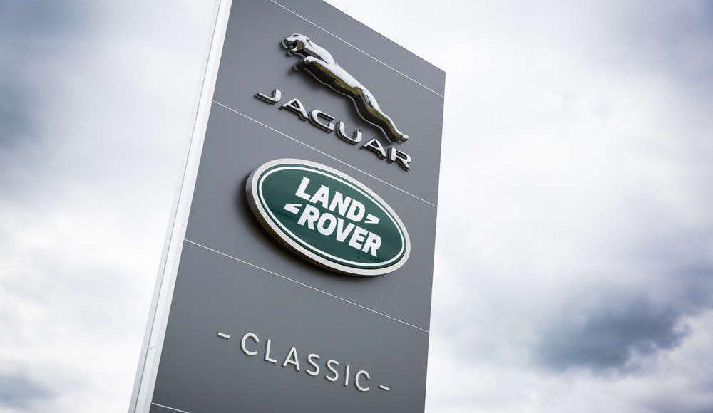 espectacular-asi-es-el-nuevo-talleres-de-clasicos-de-jaguar-land-rover-bautizado-como-classic-works-18