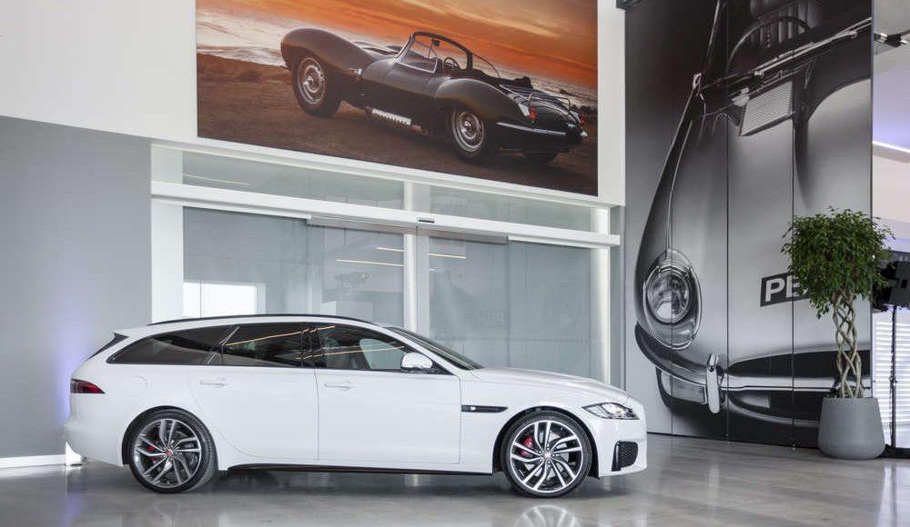 espectacular-asi-es-el-nuevo-talleres-de-clasicos-de-jaguar-land-rover-bautizado-como-classic-works-39