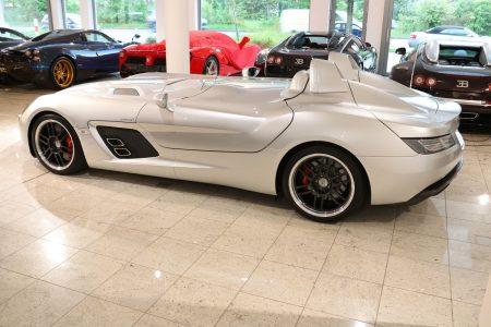 Hacerte con una de las 75 unidades del  Mercedes-Benz SLR Stirling Moss es posible, pero... ¿a qué precio?