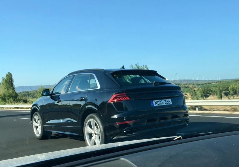¡Cazado! Así es el Audi Q8 casi sin camuflaje