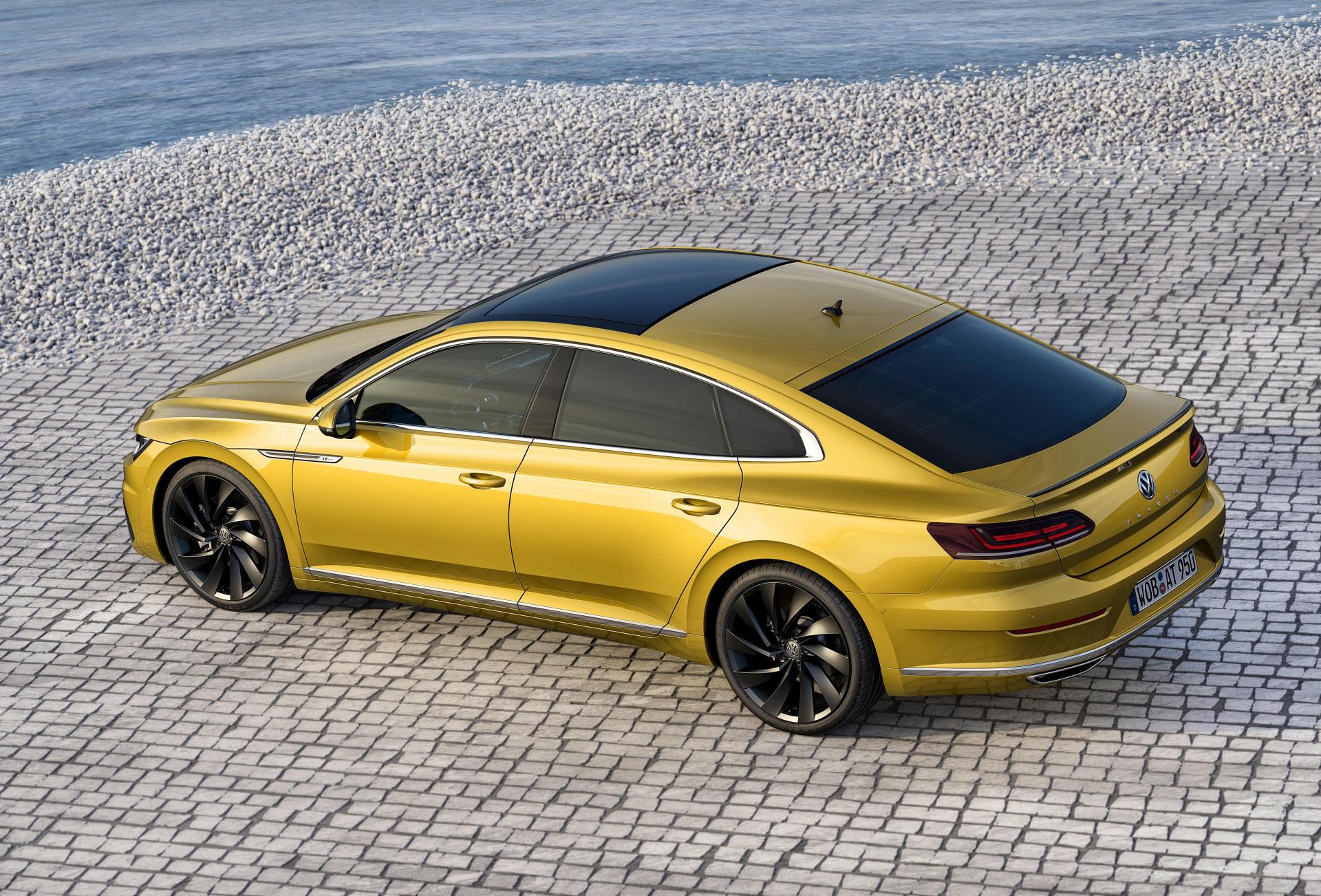 Volkswagen Arteon R: llegará en 2018 y tendrá más de 400 caballos