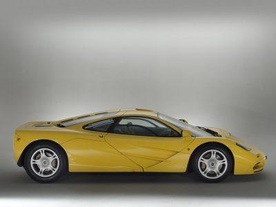 Todavía estás a tiempo: Sale a la venta un McLaren F1 de 1997 a estrenar... ¡conserva hasta los plásticos de fábrica!