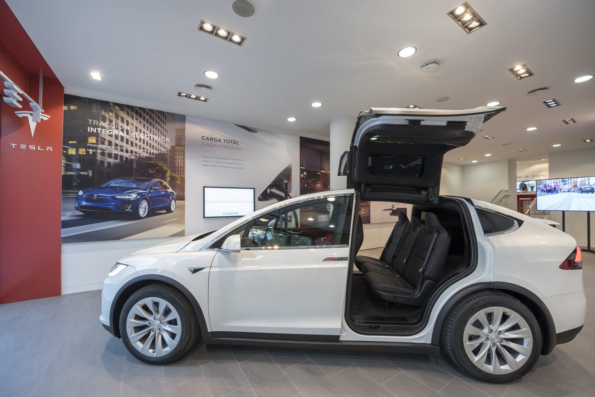 Así es el primer concesinario de Tesla en Madrid