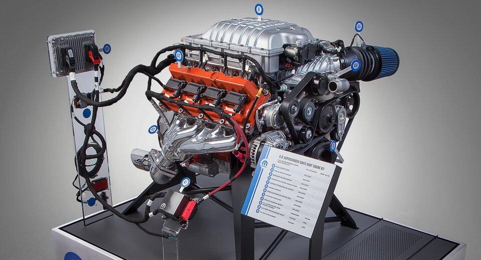 En Estados Unidos te puedes comprar por separado el motor del Honda Civic Type R o el Hellcat de 717 CV