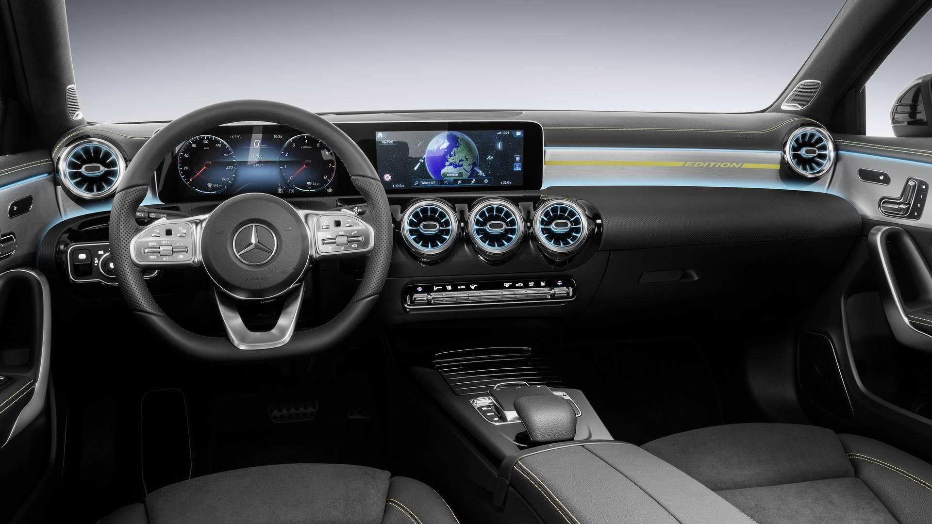 Oficial: así es el interior del nuevo Mercedes Clase A