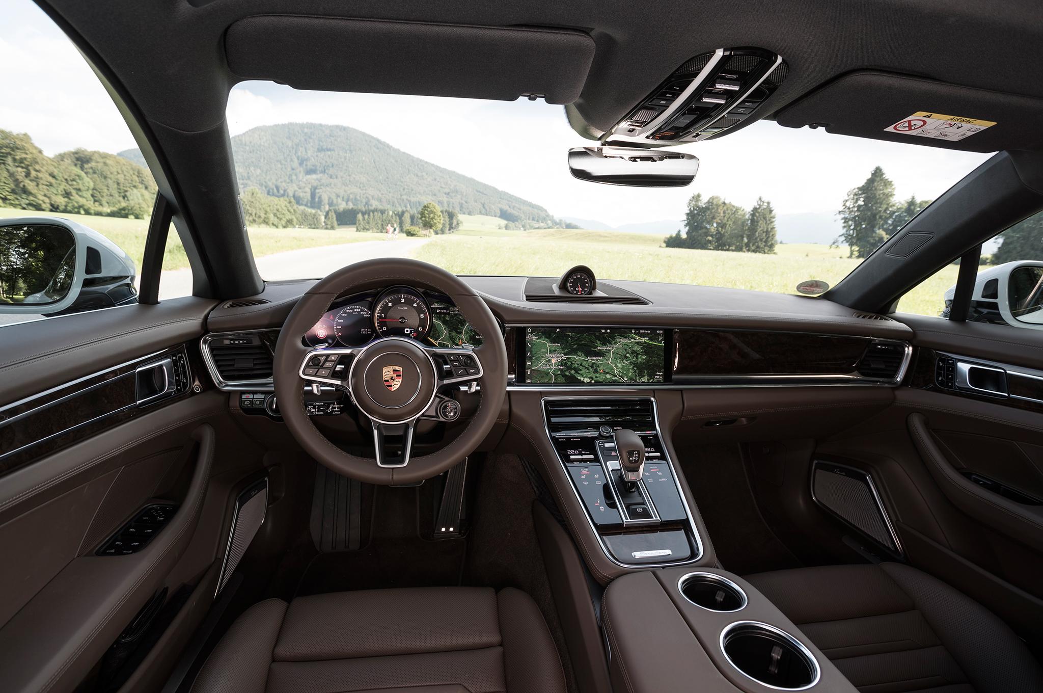 Porsche quiere mantener el volante en sus coches autónomos en el futuro