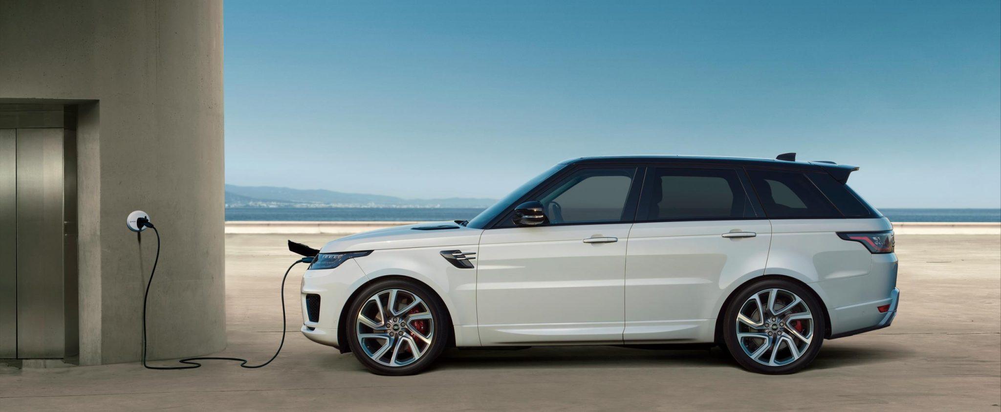 Range Rover SVAutobiography LWB 2018: Poniéndole las cosas difíciles al Bentley Bentayga