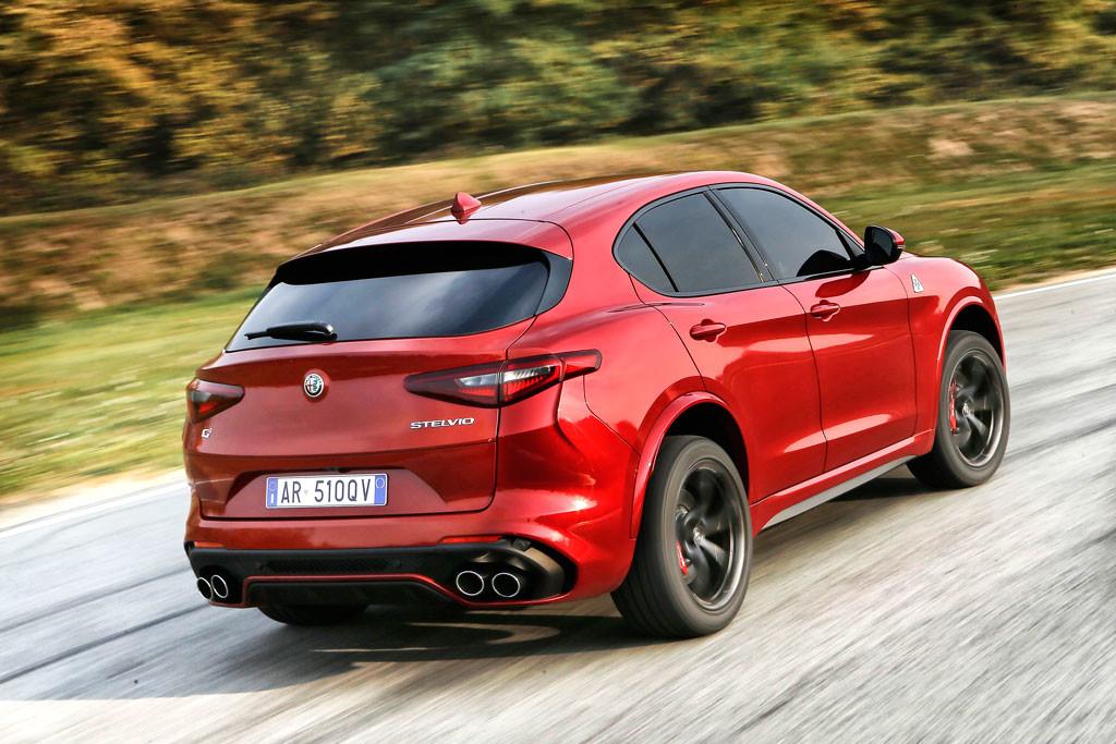 Ya puedes hacerte con el Alfa Romeo Stelvio Quadrifoglio... pagando 104.000 euros