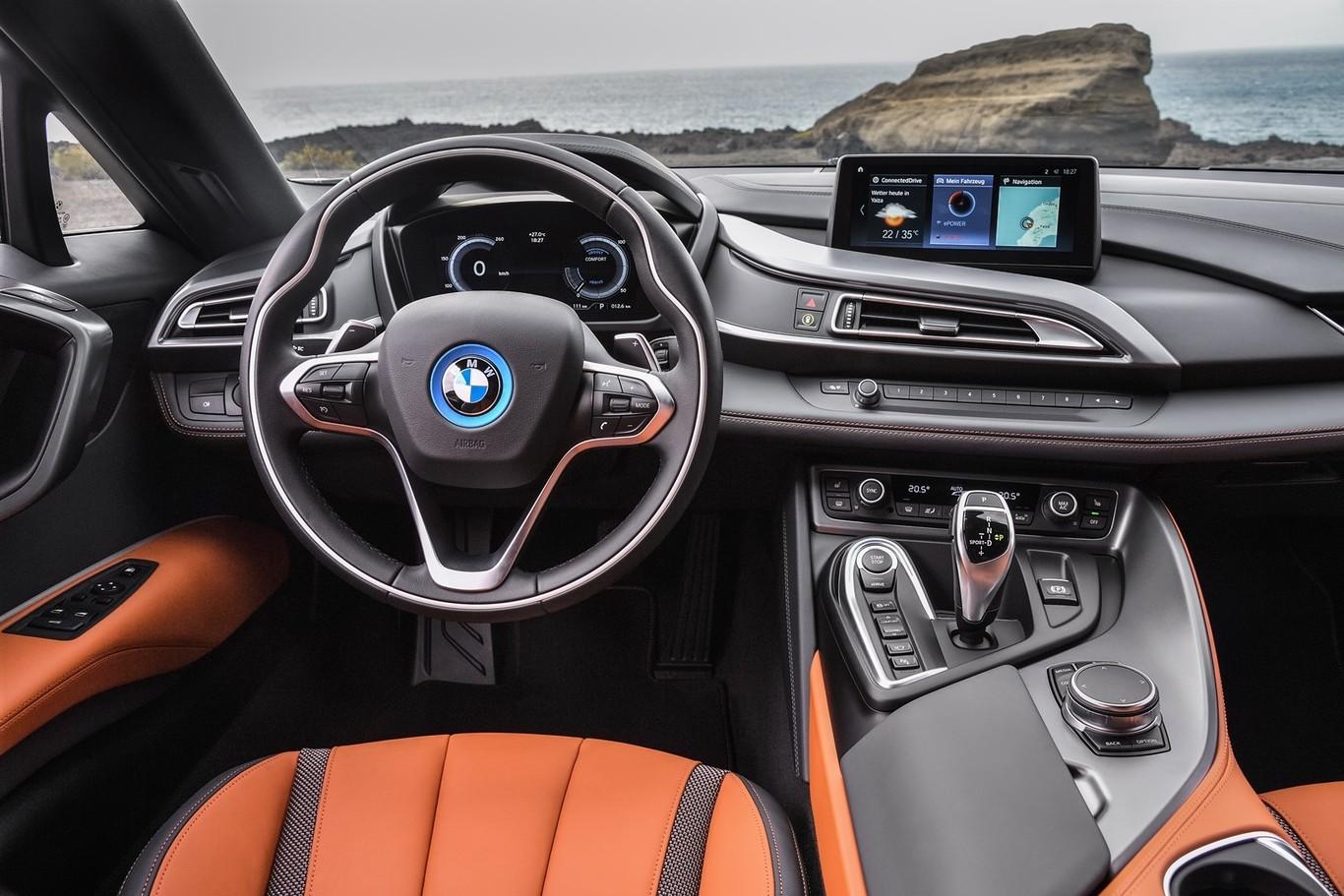 Ya puedes comprar los nuevos BMW i8 Coupé y Roadster, ¿quieres saber su precio en España?
