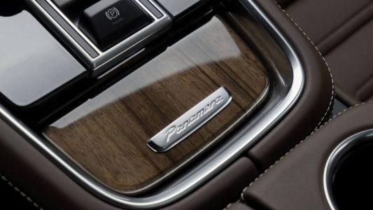 Porsche Exclusive luce musculatura con el Panamera