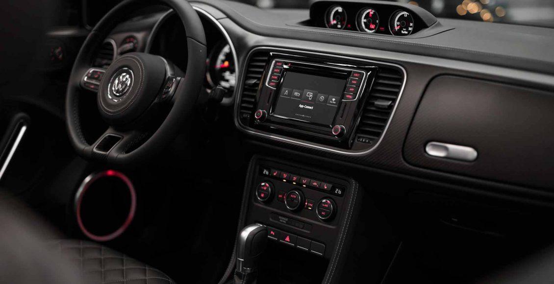 el-volkswagen-beetle-cabrio-de-abt-se-transforma-por-completo-asi-luce-ahora-esta-unidad-personalizada-08