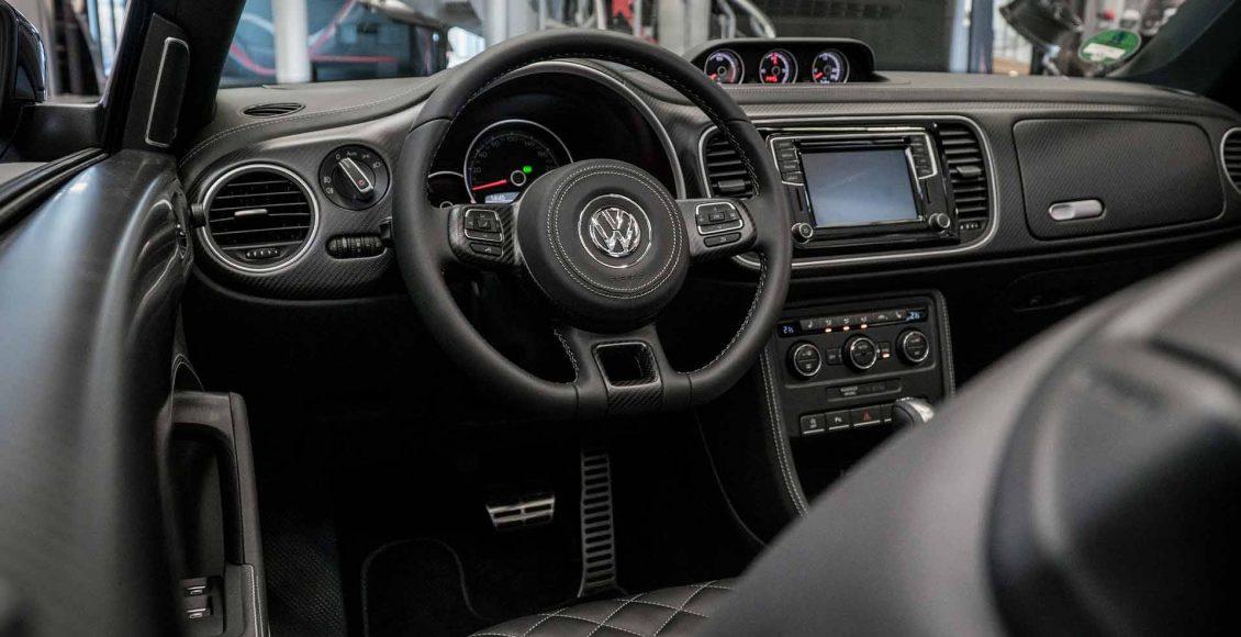 el-volkswagen-beetle-cabrio-de-abt-se-transforma-por-completo-asi-luce-ahora-esta-unidad-personalizada-09