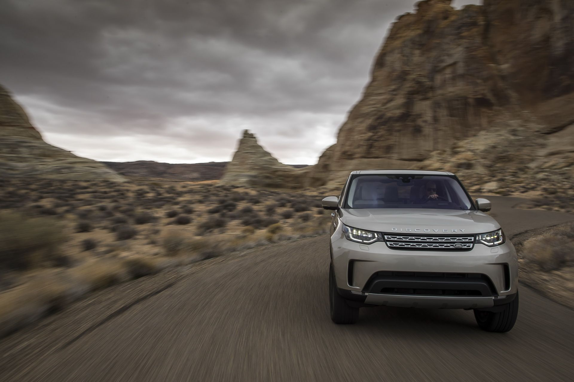 El nuevo motor SDV6 diésel de 306 CV llega al Land Rover Discovery