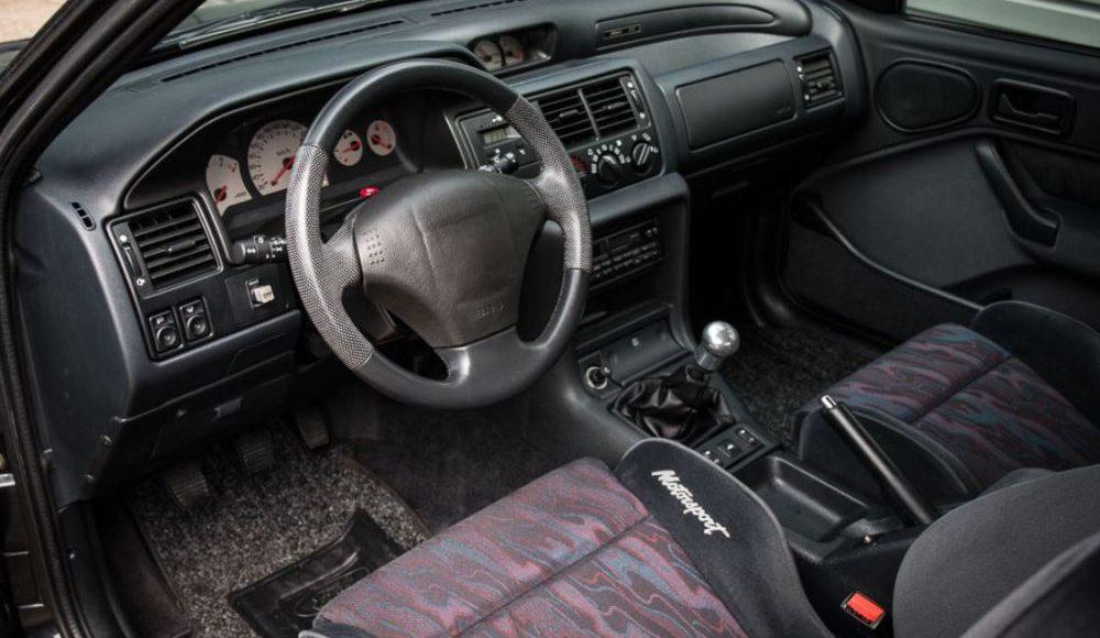 sale-a-subasta-un-ford-escort-rs-cosworth-motorsport-edition-de-1994-04