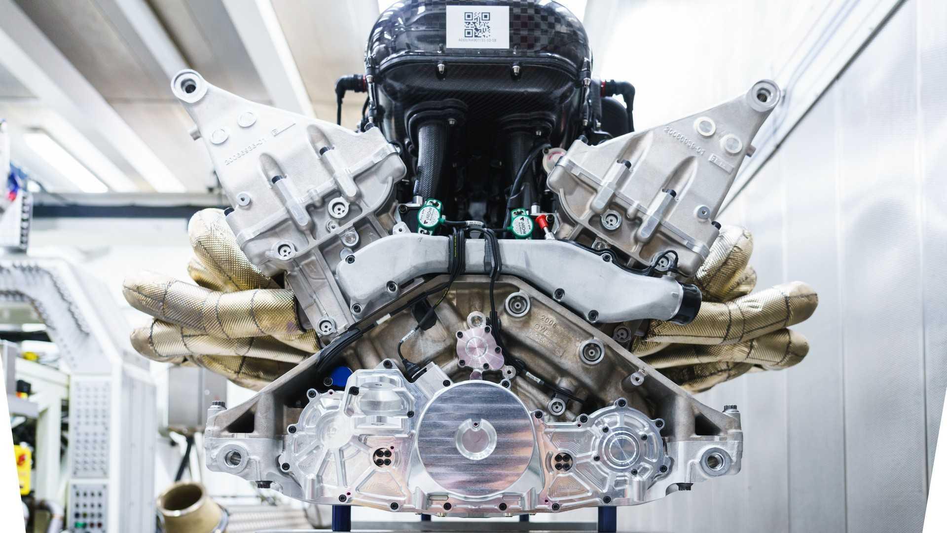 Cada 100.000 kilómetros tendrás que reconstruir el motor del Aston Martin Valkyrie: El doble que el Mercedes-AMG ONE