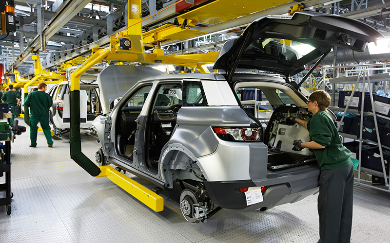 Jaguar Land Rover mandará a 4.500 personas al paro debido al Brexit y las tensiones comerciales con China