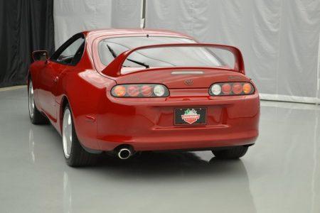 La burbuja de los Toyota Supra MKIV sigue aumentando: ¡Se ha vendido una unidad por 121.000 dólares!