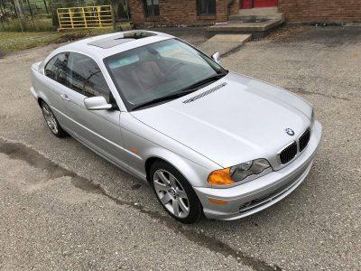 ¿Quieres un BMW 330Ci de 2001 con 1.374 kilómetros? Ahora puede ser tuyo