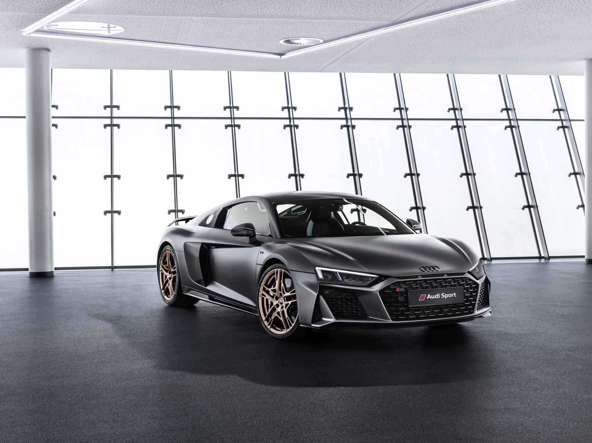 Audi baraja un R8 más radical, ¡casi de circuito!