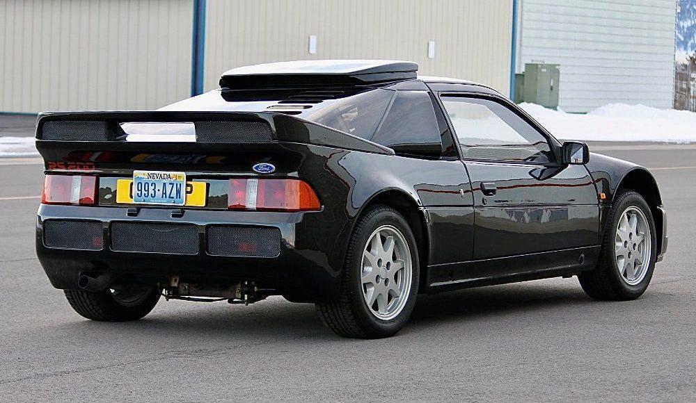 alguien-ha-pagado-250-000-euros-por-un-ford-rs200-de-color-negro-con-menos-de-2-000-km-02