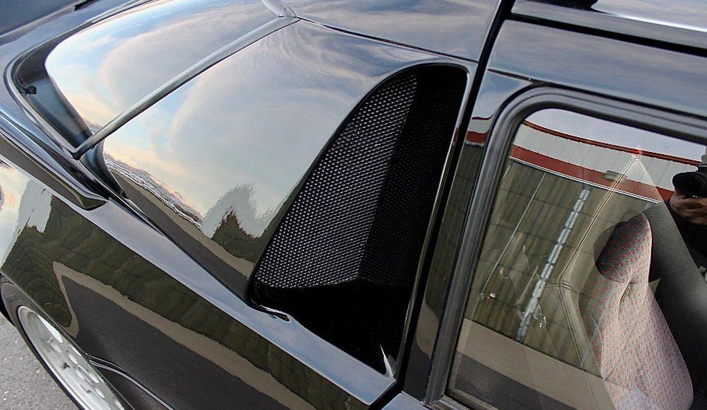 alguien-ha-pagado-250-000-euros-por-un-ford-rs200-de-color-negro-con-menos-de-2-000-km-04